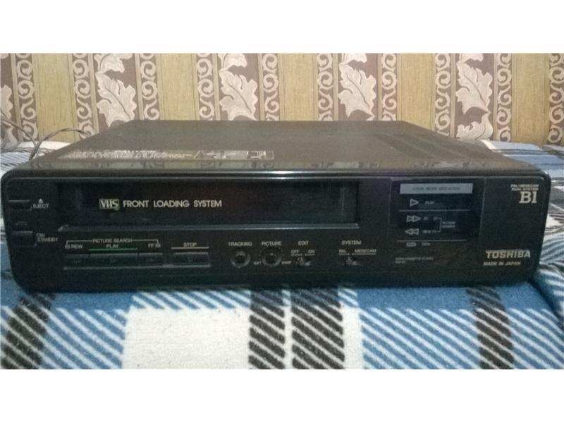 TOSHİBA VHS VİDEO PLAYER HEVESLİSİNE