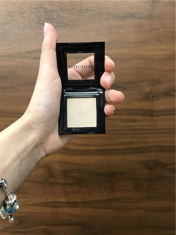 Bobbi Brown Far